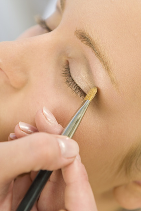 Naturally Safe Cosmetics' guide to Eye Makeup Brushes